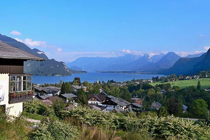 At the center of the Salzkammergut region: Fuschlsee