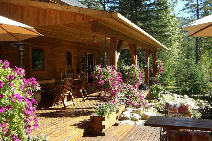 Kolibris und Bären: Lodge am Wells Gray Park