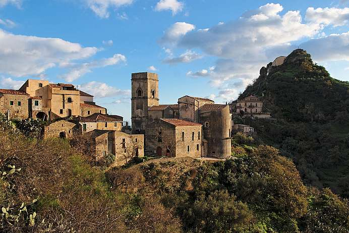 In the shadow of a Norman castle: Savoca