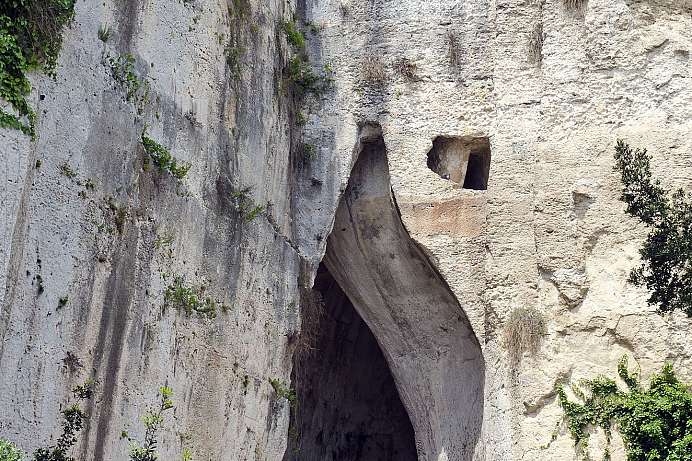 23 meters high: Ear of Dionysius in the Archaeological Park