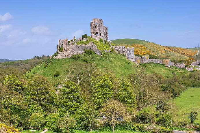 Beautiful South English countryside: Corfe Castle