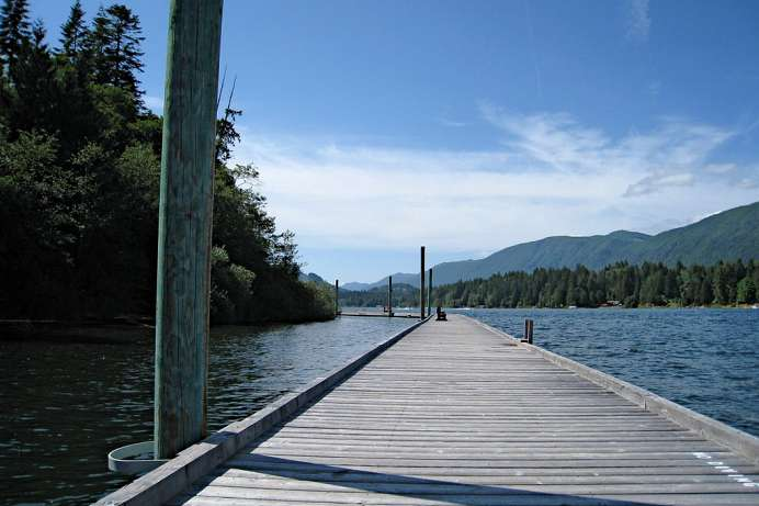 Lake Cowichan: Floating Walkway