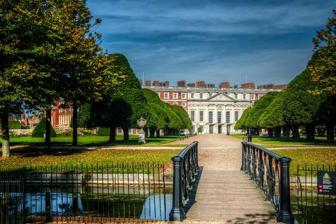 1,000 acre park: Hampton Court Castle and Gardens