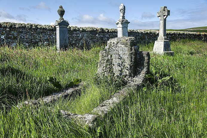 Grave of a serial murderer: Cemetery in Balnakeil