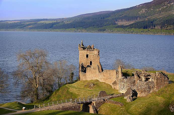 Wild and romantic ruins: Urquhart Castle