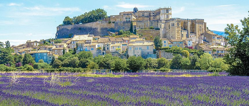 The beautiful countryside of Provence: Luberon
