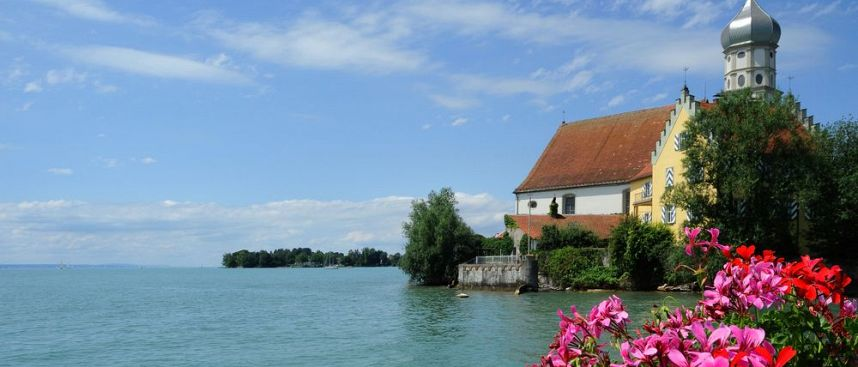 Flowers and mountains: Cultural landscape Lake Constance
