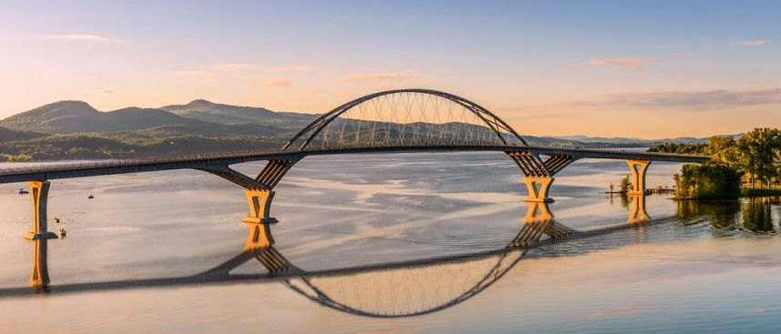 Verbindet Vermont und New York State: Lake Champlain Bridge