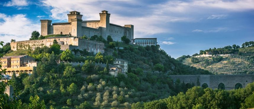 Albornoz in Umbria: Castles, mountains, forests and fields