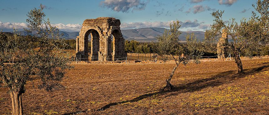 Dry and sparsely populated: Caparra in Extremadura