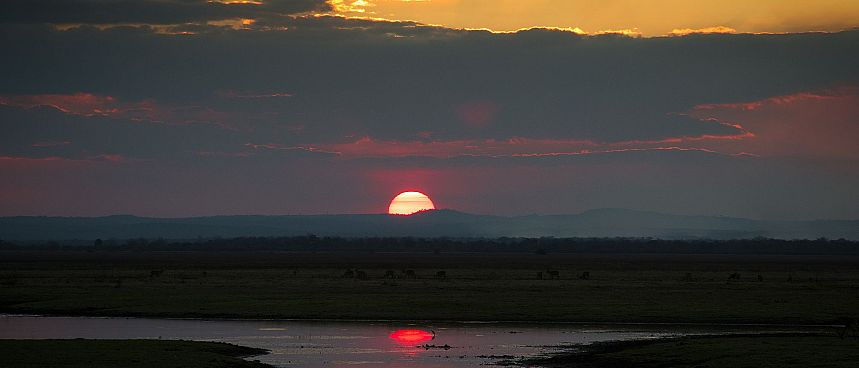 Sonnenuntergang am Lake Urema im Gorongosa Nationalpark