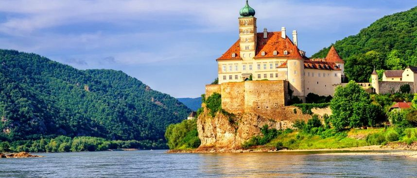 Castles, wines and forests: Wachau, a World Heritage Site