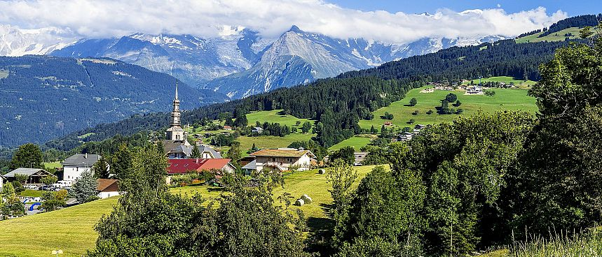 Land of contrasts: Combloux and the Savoy Alps